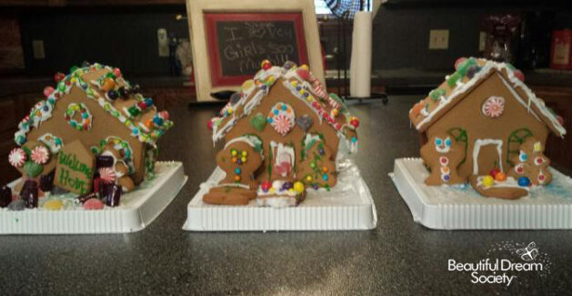 March gingerbread houses color