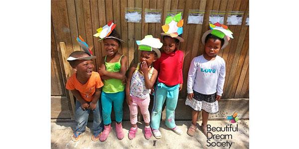 Kids in silly hats TWITTER